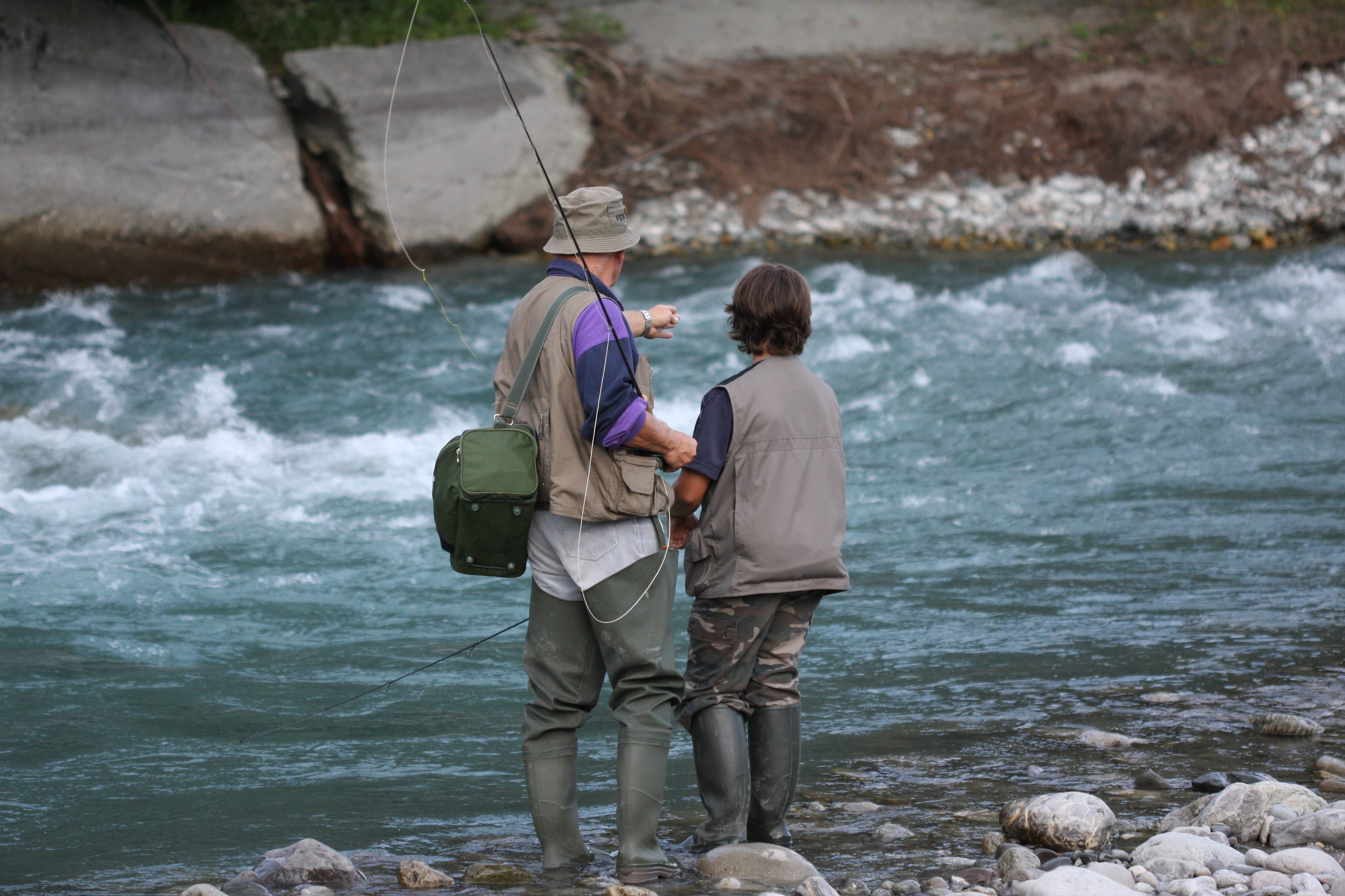 How to fly fish with easy steps for your kids for Learn how to fly fish